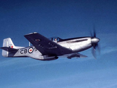 rcaf mustang in flight