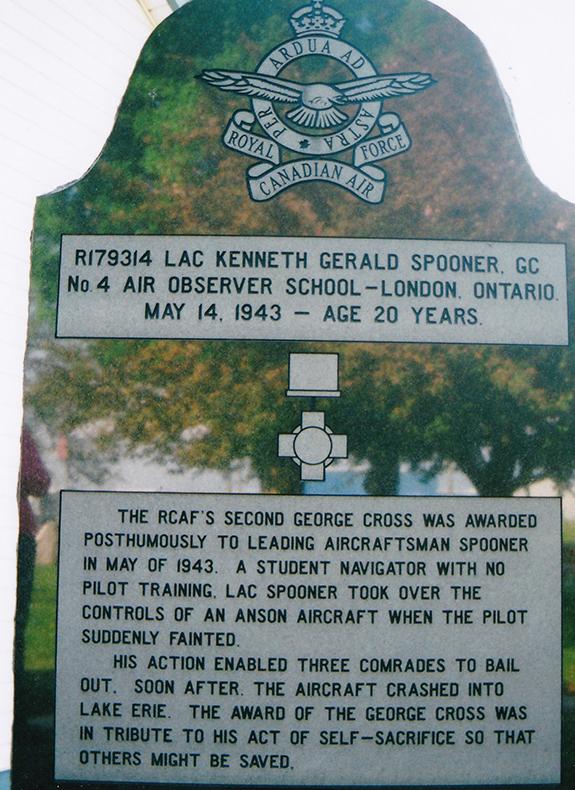 427 London Wing memorial tribute