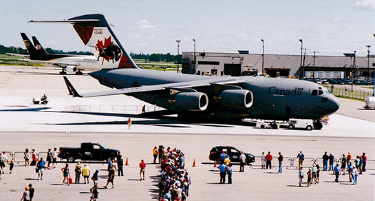 Visitors to the CWHM Air Force Day lined up to tour the CC 177 Globemaster III